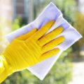 Pulire superfici con ammoniaca? Abitudine dannosa per la salute e l'ambiente