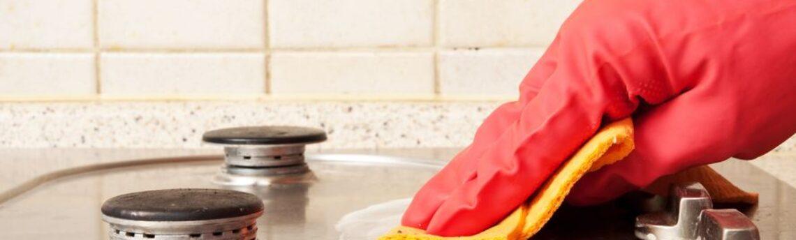 Come pulire al meglio i fornelli sporchi di grasso