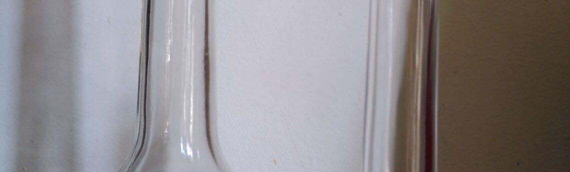 Il vetro: una possibile soluzione per contenere i detersivi